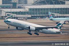 Fukuoka Airport 2016.1.17 (19) B-HNB / CX's B777-200 (double-h) Tags: airplane   fuk b777 fukuokaairport cathaypacificairways  rjff b777200 bhnb  eos7dmarkii ef100400mmf4556lisiiusm accinfukuoka