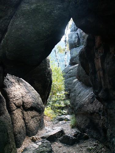 Okno skalne w Starościńskich Skałach