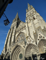 Bayeux cathedral exterior (DameBoudicca) Tags: france tower church frankreich torre tour cathedral gothic catedral iglesia kirche medieval notredame chiesa cathédrale torn normandie romanesque turm normandy francia église middleages gothique bayeux normandia gotik kyrka medioevo フランス cattedrale románica frankrike gotico moyenâge mittelalter romane gótico 塔 romanik katedral romanica 大聖堂 normandía edadmedia 中世 medeltiden ノルマンディー gotisk romansk ゴシック建築 教会堂 ロマネスク建築 バイユー