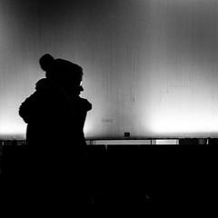 031/366 - Kopfbedeckungen / Headwear (Boris Thaser) Tags: street city eve winter people blackandwhite bw woman hat silhouette night project germany deutschland glasses evening abend clothing flickr adult nacht candid streetphotography scene 11 menschen clothes explore cap stadt creativecommons photoaday sw 365 brille frau unposed shape bonnet mtze ulm projekt tog pictureaday headwear kappe kleidung szene haube 366 schattenriss ungestellt bekleidung schwarzweis project365 schattenbild umriss strase kopfbedeckung project366 erwachsener strasenfotografie streettog sonyrx100ii sonydscrx100ii zweisichtde zweisichtig