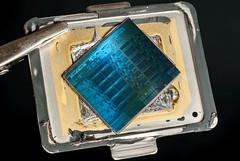 Intel@Sandybridge@Ivy_Bridge-EX_(Ivytown)@Xeon_E7_V2@QDPJ_ES___Stack-DSC06882-DSC06925_-_ZS-DMap (FritzchensFritz) Tags: macro ex vintage focus die open shot intel stacking es cpu makro supermacro lga package wafer cracked core processor fokus xeon ivybridge prozessor supermakro 20111 focusstacking cpupackage cpudie heatspreader 30threads stackshot dieshot fokusstacking stackrail ivytown dieshots waferdie wafershot qdpj 15cores