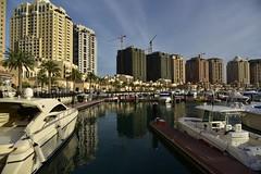 The Pearl. Qatar (Santiago Sanz Romero) Tags: santiago marina buildings boats arquitectura agua marine ciudad thepearl silueta romero litoral doha qatar sanz complejo inmobiliario