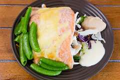 Salmon with sugar snap peas and coleslaw (garydlum) Tags: salmon peas canberra coleslaw
