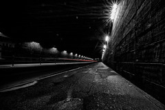 paso inferior IV (Zesk MF) Tags: street bridge white black night train nikon strasse exploring sigma mf asphalt brcke 8mm weiss schwarz trier lichter nachts unterfhrung longtime langzeit fluchtpunkt zesk druassen
