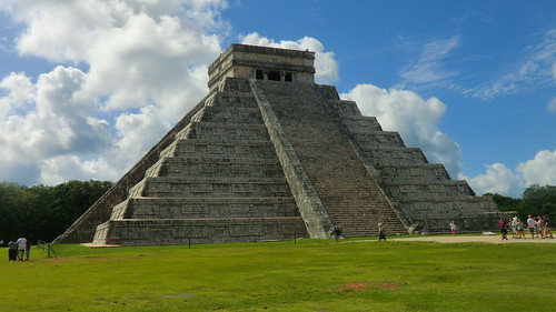 Mexico - Chichén Itzá; Kukulcán pyramid - It is an overwhelming  feeling to stand in front of this real wonder of ancient times!