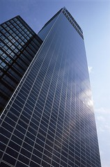 CIS Tower (C) Solarcentury