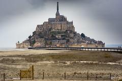 Mont Saint Michel (Francois Guinot) Tags: france citadel ile bretagne normandie fortress montsaintmichel forteresse abbaye citadelle canoneos6d samyang85mm