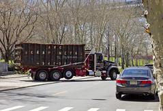 r_160415010_beat0023_a (Mitch Waxman) Tags: newyorkcity newyork queens hellsgate garbagetruck astoriaqueens rollon eastrivershoreline