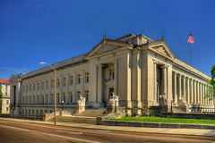 Shelby County, TN Courthouse - Memphis, TN (J.L. Ramsaur Photography) Tags: history architecture photography photo nikon memphis tennessee engineering americanflag pic patriotic historic photograph americana courthouse thesouth statuary starsandstripes redwhiteblue usflag silenceofthelambs 1909 oldglory memphistn engineeringasart 2016 historicbuilding memphistennessee neoclassicalarchitecture shelbycounty westtennessee pediments ofandbyengineers fadingamerica uscountycourthouses vanishingamerica oldandbeautiful ibeauty historyisallaroundus tennesseephotographer structuresofthesouth southernphotography screamofthephotographer engineeringisart jlrphotography photographyforgod d7200 engineerswithcameras jlramsaurphotography nikond7200 tennesseecountycourthouses americanrelics itsaretroworldafterall patrioticproud shelbycountytncourthouse largesttennesseecourthouse