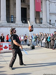 Street performer (Jeff G Photography - jeffgphoto@outlook.com) Tags: chainsaw trafalgarsquare streetperformer juggling juggler streetperformance