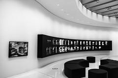 Leica Inside (++sepp++) Tags: leica bw museum architecture germany de deutschland blackwhite europa europe hessen innenarchitektur architektur sw monochrom interiordesign wetzlar einfarbig schwarzweis