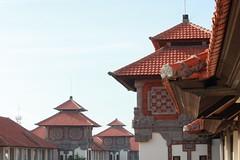 Sanur Paradise Plaza Hotel Towers (rishao262) Tags: bali architecture indonesia architecturaldetail sanur tileroofs epicadventure sanurparadiseplazahotel