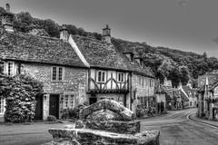 CASTLE COMBE (toyaguerrero) Tags: uk inglaterra england blackandwhite bw english blancoynegro architecture rural cottage cotswolds britian bwblackandwhite quintessential englishness