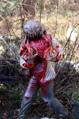 Headcrab Zombie (Tyrannodactyl) Tags: monster blood zombie alien ripped creepy clothes halflife claws parasite guts headcrab