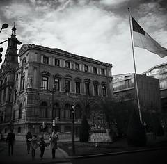 Bilbao (Ayuntamiento) (emubla) Tags: espaa byn spain movil bilbao callejeando bizkaia euskadi vizcaya paisvasco ayuntamiento callejero emubla instagram