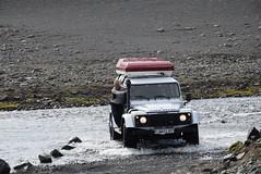 20150811_Mauro in guado (Alice e il Gatto) Tags: iceland rover land guado defender islanda