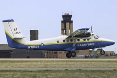 N70464 Twin Otter Landing 17R at Colorado Springs Airport (CloudSurf) Tags: sky airport colorado force air united dive twin diving landing springs otter states usaf crosswind dhc6 17r n70464