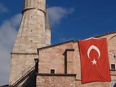 Aya Sofya (Haghia Sophia), Istanbul (Steve Hobson) Tags: aya flag istanbul sophia turkish sofya haghia