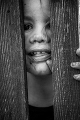 who are you (Bdlmacher) Tags: girl fence child zaun mdchen