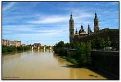 El Puente de Piedra y la Baslica del Pilar, Zaragoza (Jess Cano Snchez) Tags: bridge espaa rio canon river puente spain basilica gothic zaragoza aragon baroque ebro saragossa eos20d riu barroco gotico gotic ebre espanya barroc arago tamron18200 elsenyordelsbertins