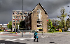 Rain And Sunshine (Emil de Jong - Kijklens) Tags: cloud sun building rain weather clouds leiden wolken huis zon regen weer wolk zonneschijn