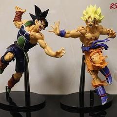 #660 DRAGONBALL So Goku Seiya VS Badox ดราก้อนบอล ซุนโงกุน โกคู ร่างเซย่า Action Figure ปะทะ บาด๊อกซ์ ขนาด 23 cm  ทำสีสำเร็จ มาพร้อมฐานวาง กลม  พร้อมส่ง ชิ้นละ 490-. เท่านั้น +65-.Ems  สั่งซื้อ Line : leosonson #model #figure #dragonball #leotoy #goku #so