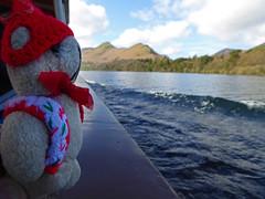 LD 5 Tue Walk Beside Derwent 2 DT on Boat (g crawford) Tags: ted water danger toy teddy derwent lakes lakedistrict derwentwater teddies keswick crawford dt ld catbells dangerted