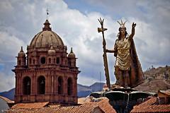 Pachacuti and La Merced (oeyvind) Tags: peru cuzco cusco perú per plazadearmasdelcusco xf50140mm templodelamerceddelcusco basílicamenordelamerced