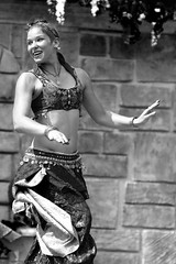Belly dancer at the faire (albionphoto) Tags: woman usa ny girl cosplay parrot dancer fairy tuxedo robinhood renaissancefair sterlingforest girlswithswords vixensengarde