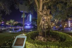 Walt Disney Dedication Statue @ Disney's Hollywood Studios (Juneau Biscuits) Tags: vacation disney resort wdw waltdisneyworld themepark orlandoflorida waltdisneystatue disneyshollywoodstudios