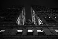 USA2015_4223.jpg (Z A N A) Tags: nyc newyorkcity light blackandwhite bw ny newyork skyline architecture night perspective biancoenero