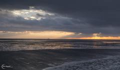 Hole (Vitali Czymmek) Tags: colors clouds germany tide wolken schleswigholstein ebb ebbe northsee dithmarschen bsum gezeiten