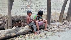 #streetkids #pic taken feb 2015 (kazal1968) Tags: people streetphotography dhaka streetkids bangladesh dhanmondi streetbd kazal1968 saifulaminkazal bdstreet