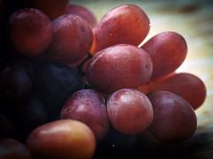 Grapes (Carsten Kampf) Tags: leica canon grapes nahaufnahme 6d obst novoflex leitz weintrauben elpro elmaritr eosler nikcollection