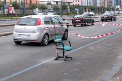 Lavori in corso (Napoli - L'arte di arrangiarsi!) (Maurizio Belisario) Tags: street car way chair automobile funny strada napoli naples sedia divertenti
