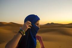 Paul (Bruna Leticia Pinheiro) Tags: portrait guy sahara desert marocco marrocos