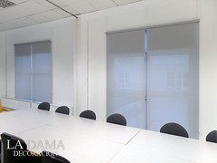 "Instalación enrollables y cortinas blackout • <a style=""font-size:0.8em;"" href=""http://www.flickr.com/photos/67662386@N08/26121907684/"" target=""_blank"">View on Flickr</a>"