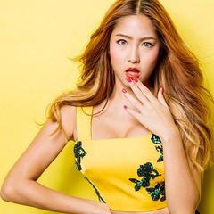 """จากสาวอวบมาเป็นสาวหน้าท้องแบนราบสุด sexy แบบว่าสวยสุขภาพดีชวนมอง จนทีมงานนิตยสาร """"Cleo"""" ต้องยกให้เธอ กับตำแหน่งไอดอลสาวทั่วประเทศ ในแฟชั่นปกประจำเดือนเมษายนนี้!! #อ่านต่อได้ที่ www.rsfriends.com และนิตยสาร CLEO ฉบับเดือนเมษายนนี้นะจ๊ะ #waii #yesmusic #rsf"""