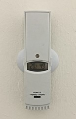 Remote Thermo- Hygrometer (FaceMePLS) Tags: nederland thenetherlands meter thermometer zwolle techniek temperatuur facemepls luchtvochtigheid vochtigheid meetapparatuur iphone6 opafstand vochtigheidsmeter vochtmeter meettechniek meetapparaat