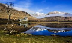 Kilcurn Castle (hurlindav) Tags: mountain lake reflection castle canon scotland 550d kilcurn