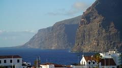 Los Gigantes, Teneriffa / Tenerife (Fotograf M.Gerhardt) Tags: spain meer wasser kanaren tenerife ufer landschaft teneriffa spanien steilkste kste felsen atlantik kanarischeinseln ozean losgigantes abhang santiagodelteide acantiladosdelosgigantes felsklippe