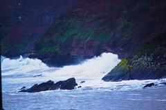 contra el monte (Kilmar2010) Tags: sea see waves oleaje asturias olas villaviciosa wellen asturies airelibre marcantabrico