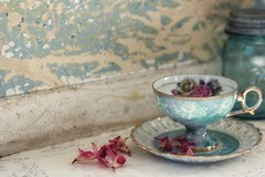 turquoise tea (s@ssyl@ssy) Tags: stilllife vintage ball lace antique collection jar teacup blueglass teacupsaucer