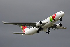 CS-TOM 2 Airbus A330-202 TAP - Air Por