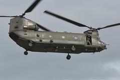 04th July 2010 RAF Waddington Airshow (rob  68) Tags: 04th july 2010 raf waddington airshow boeing chinook hc2 a 352 zh894 hi msn m4457 odiham wing previously n2026e