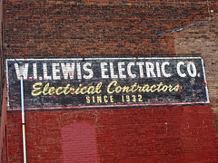 W.I. Lewis Electric Co., Warren, OH (Robby Virus) Tags: ohio brick sign electric wall 1932 painted ghost since company signage warren electrical contractors wilewis