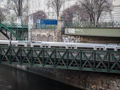 _C202762-web-1.jpg (laurenz.lanik) Tags: vienna metro u4 wienfluss