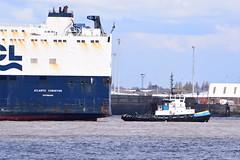 Atlantic Conveyor & Smit Waterloo (Gareth Garbutt) Tags: acl rivermersey atlanticcontainerline atlanticconveyor smitwaterloo