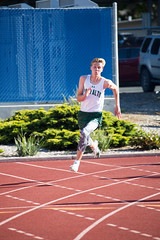 Neal in the 200m (Malcolm Slaney) Tags: track paloalto 200m losaltos 2016 paly