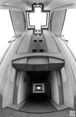 Bofill (Alex..H) Tags: architecture fisheye immeuble bofill ricardobofill sqy saintquentinenyvelines montignylebretonneux sourderie